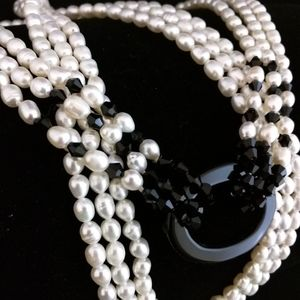 Jewelry - Multistranded pearl necklace